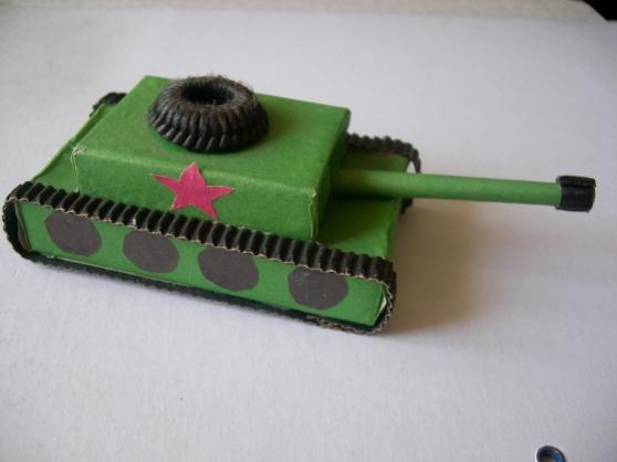 Как сделать подарок папе танк своими руками - Поделки на 23 февраля своими руками ТАНК Т-34